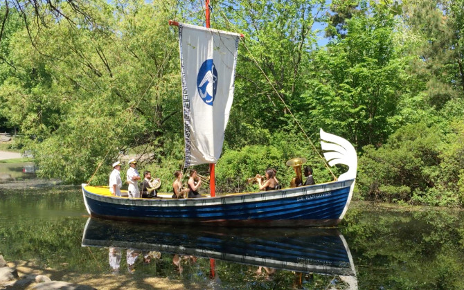 Ragnar Kjartansson 'S.S. Hangover' boat that sails in the Harlem Meer with a brass sextet.